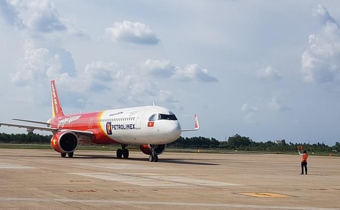 215 người Việt từ Singapore về nước tại sân bay Cần Thơ như thế nào? - Ảnh 2.