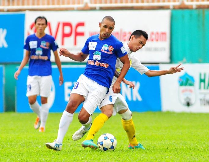 Bạn thân Neymar nói gì khi bị CĐV HAGL lãng quên, chỉ chọn Kiatisuk, Công Phượng? - Ảnh 2.