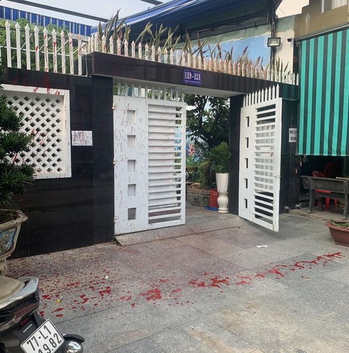 """Điều tra vụ việc hàng loạt cơ sở kinh doanh ở Quy Nhơn bị """"khủng bố"""" - Ảnh 1."""