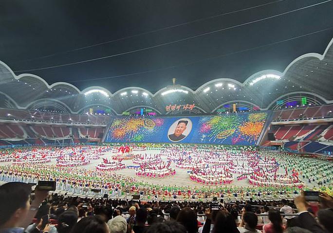Những siêu sân vận động độc đáo nhất hành tinh - Ảnh 2.