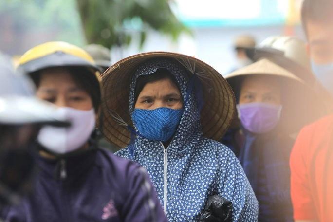 Báo Người Lao Động khai trương cây ATM thực phẩm miễn phí tại Hà Nội - Ảnh 13.