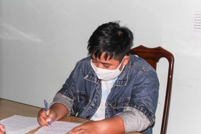 Đề nghị truy tố cô gái đăng tin Việt Nam có người chết vì virus corona - Ảnh 1.