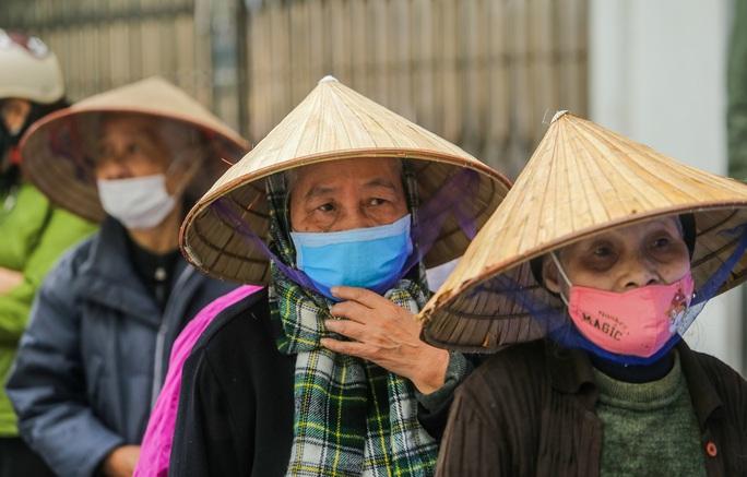Báo Người Lao Động khai trương cây ATM thực phẩm miễn phí tại Hà Nội - Ảnh 26.