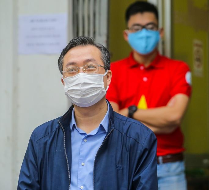 Báo Người Lao Động khai trương cây ATM thực phẩm miễn phí tại Hà Nội - Ảnh 6.