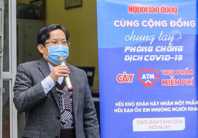 Báo Người Lao Động khai trương cây ATM thực phẩm miễn phí tại Hà Nội - Ảnh 5.