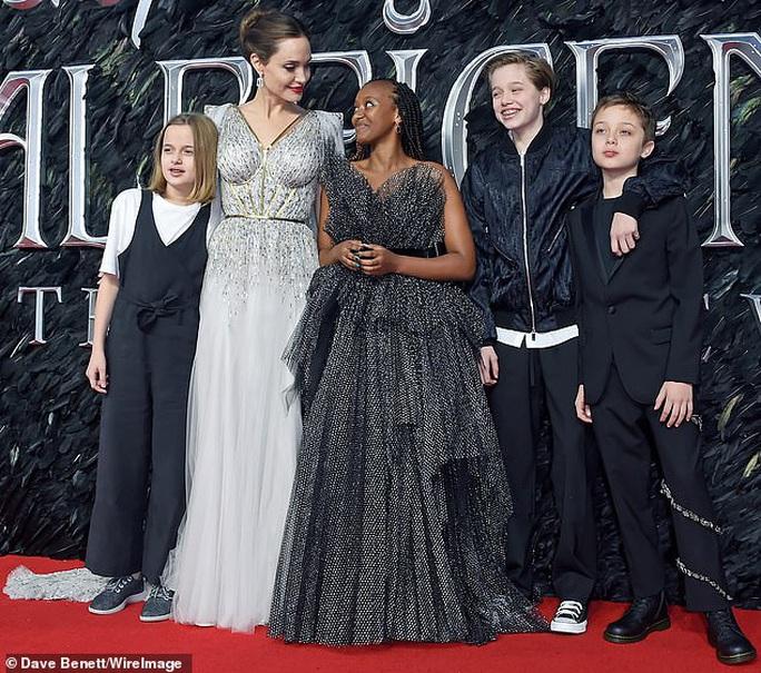 Angelina Jolie: Khó làm cha mẹ hoàn hảo thời giãn cách xã hội! - Ảnh 1.