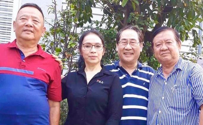 Con gai soan gia Hoa Phuong sang tac cai luong ve Covid-19 tai Duc