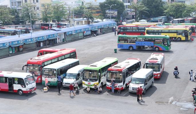 Xe khách hoạt động lại ở TP HCM: Trung bình mỗi xe 7 hành khách - Ảnh 1.