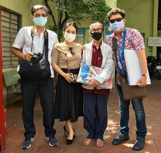 Mai Vàng nhân ái đến thăm nhạc sĩ Mặc Thế Nhân, nghệ sĩ Điền Phong và Kim Huyền - Ảnh 2.
