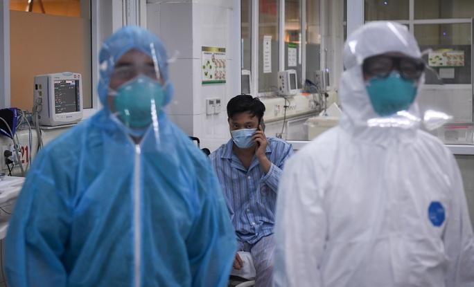 Thêm 2 bệnh nhân Covid-19 dương tính trở lại, 1 ca rất phức tạp - Ảnh 1.