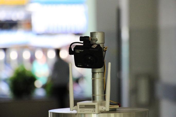 Cận cảnh Robot điều khiển từ xa, diệt virus bằng tia UV - Ảnh 6.
