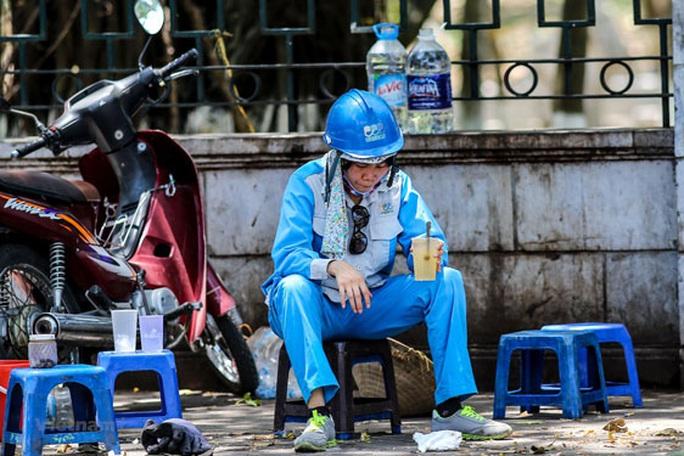 ILO khuyến nghị doanh nghiệp hỗ trợ người lao động - Ảnh 1.