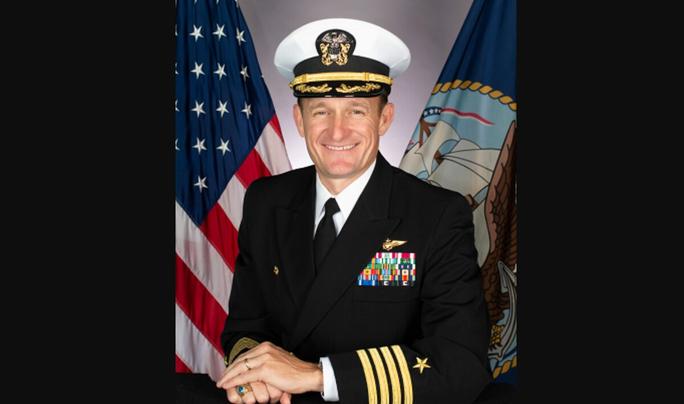 Covid-19: Làm rò rỉ thư cầu cứu, hạm trưởng tàu sân bay Mỹ bị sa thải - Ảnh 1.