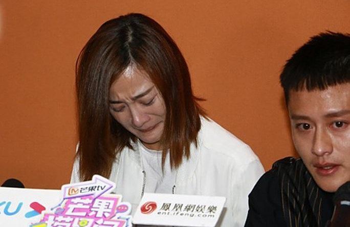 Nữ diễn viên TVB xin lỗi vì hành động không phù hợp chuẩn mực đạo đức - Ảnh 1.