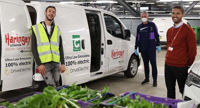 Thú vị hình ảnh người vận chuyển Mourinho giữa vườn rau - Ảnh 5.