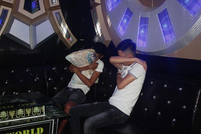 Quảng Nam: 11 nam nữ tổ chức tiệc ma túy ở quán karaoke - Ảnh 2.