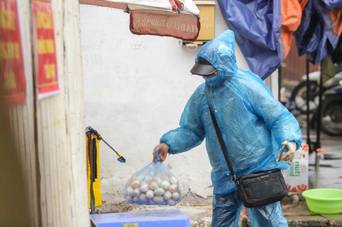 Vì sao 1 thôn với hơn 1.400 người ở tỉnh Hưng Yên bị cách ly tới 28 ngày? - Ảnh 2.