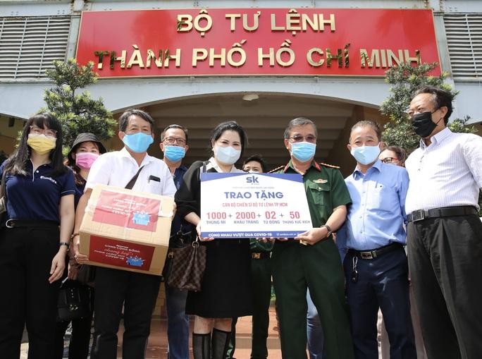 Công ty CP Đầu tư SK đồng hành cùng Báo Người Lao Động chung tay phòng, chống dịch Covid-19 - Ảnh 1.