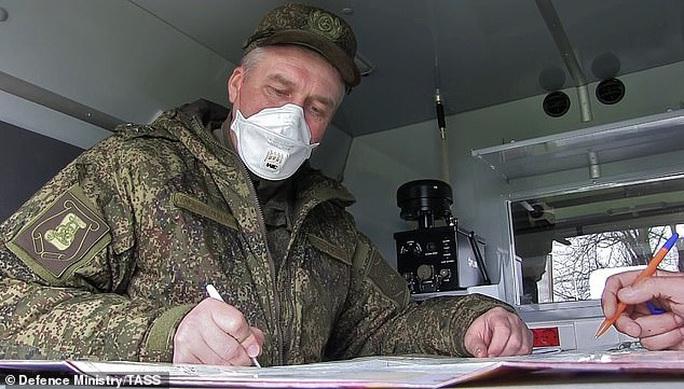 Covid-19: Ý - Nga khẩu chiến quanh tình nghi cài gián điệp trong nhóm bác sĩ  - Ảnh 1.