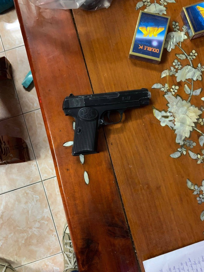TP HCM: Xóa sổ băng tội phạm ẩn náu trong căn nhà không số ở Củ Chi - Ảnh 4.