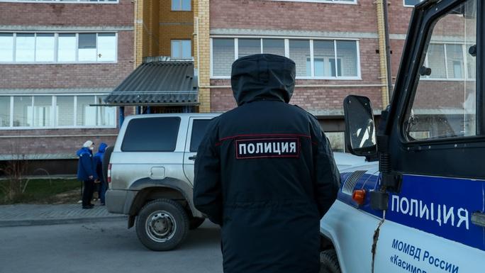 Nga: Bắn chết 5 người hàng xóm vì cách ly ồn ào - Ảnh 1.