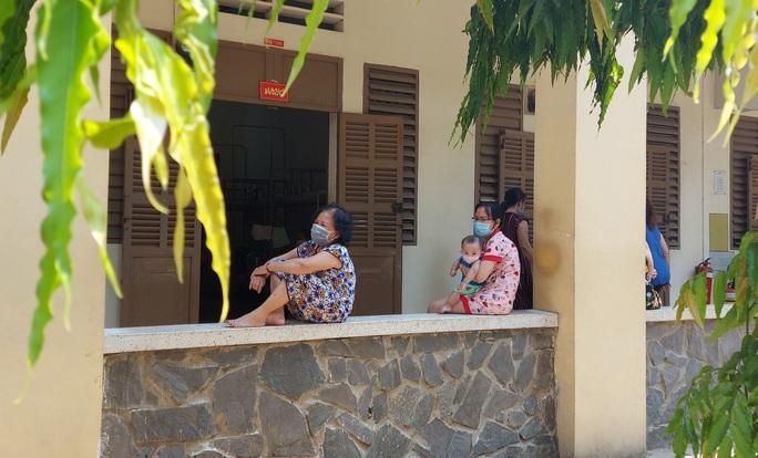 TP HCM: 5/20 người đến Bệnh viện Bạch Mai âm tính với Covid -19 - Ảnh 1.