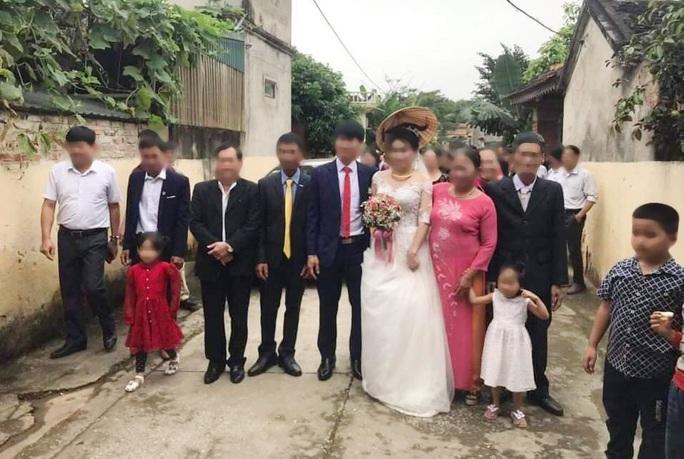 Để tổ chức đám cưới trong dịch Covid-19, chủ tịch xã bị đình chỉ công tác - Ảnh 1.