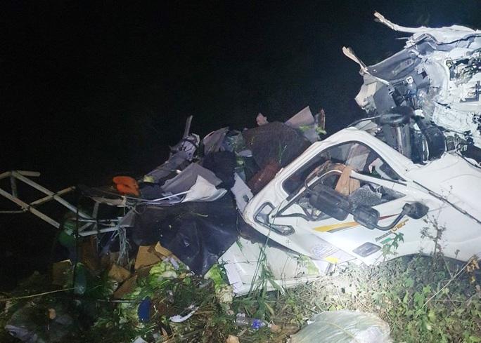 Xe tải chở rau rơi xuống vực đèo Bảo Lộc trong đêm, tài xế nguy kịch - Ảnh 2.