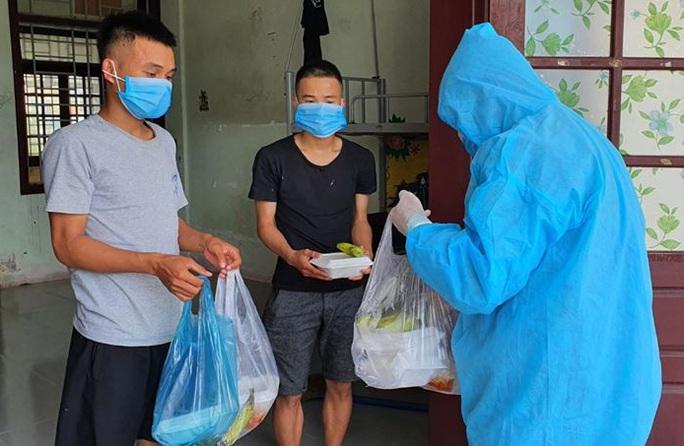 Quảng Nam hỗ trợ tiền ăn 80.000 đồng/ngày cho người về từ TP HCM, Hà Nội - Ảnh 2.