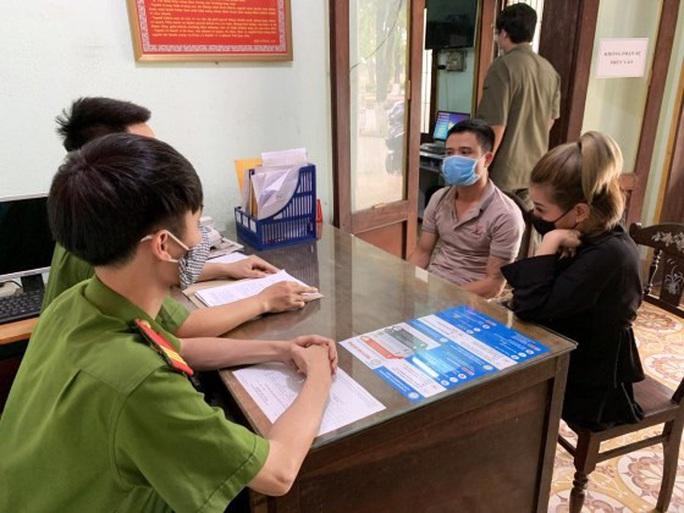 Quảng Bình: Gần 10 thanh niên nam, nữ thuê  khách sạn để bay lắc giữa mùa dịch Covid-19 - Ảnh 1.