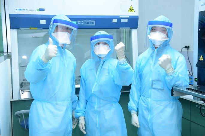 Bệnh viện FV được phép xét nghiệm virus SARS-CoV-2 - Ảnh 1.