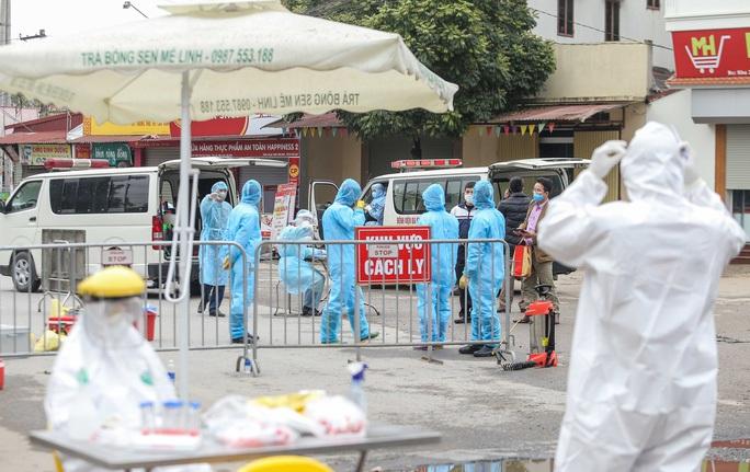 Phong tỏa toàn bộ thôn gồm 1.825 người liên quan ca bệnh Covid-19 số 243 - Ảnh 1.
