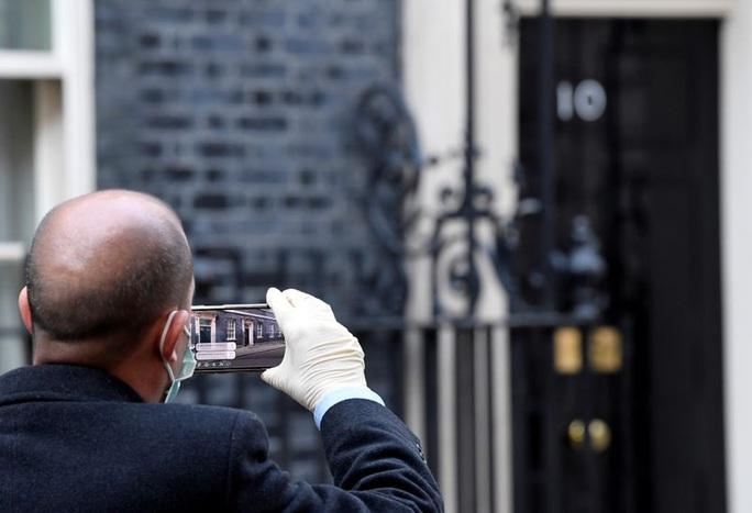 Covid-19: Ai thay thế thủ tướng Anh trong trường hợp khẩn cấp quốc gia? - Ảnh 2.