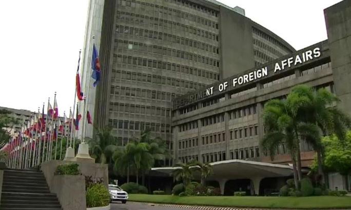 Philippines tuyên bố ủng hộ Việt Nam vụ tàu cá bị đâm - Ảnh 1.