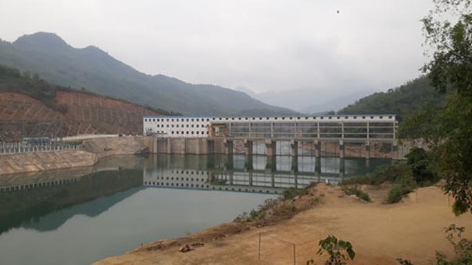 Bản khát điện giữa 2 nhà máy thủy điện - Ảnh 1.