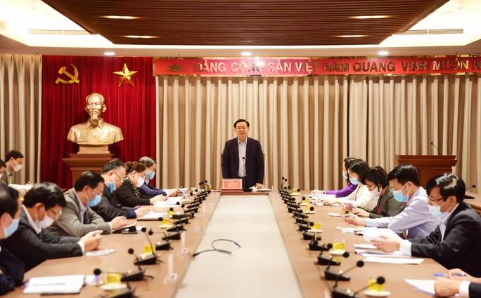 Bí thư Vương Đình Huệ: Thúc đẩy giải ngân 37.000 tỉ đồng đầu tư công có tác động rất lớn - Ảnh 1.