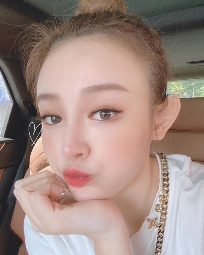 Nữ diễn viên Thái Lan tố Huyền Baby sử dụng trái phép hình ảnh của mình để quảng cáo - Ảnh 2.