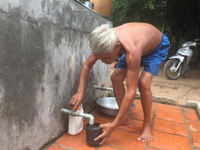 TP HCM miễn 100% tiền nước cho hộ nghèo, cận nghèo trong 3 tháng - Ảnh 1.