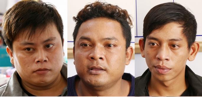 6 đối tượng chặn đường, truy sát dã man nam thanh niên đến chết - Ảnh 1.