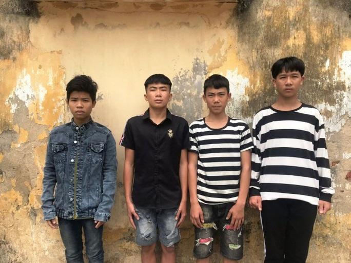 Quảng Bình: Bắt 4 thanh niên trộm liên tục 180 con gà của các hộ dân - Ảnh 1.