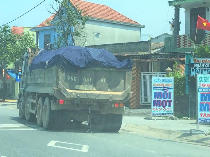 Thừa Thiên – Huế xử phạt hơn 1.500 xe tải trong một tháng - Ảnh 2.