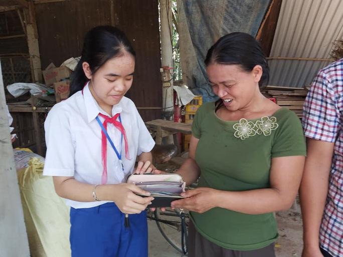 Nữ sinh nhà nghèo trả lại ví chứa 30 triệu đồng nhặt được - Ảnh 1.