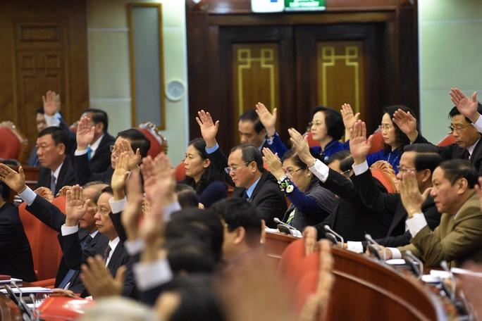 Chùm ảnh khai mạc Hội nghị Trung ương 12 - Ảnh 8.
