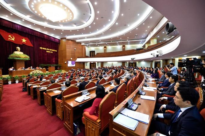 Ông Trần Quốc Vượng điều hành phiên họp Trung ương thảo luận phương hướng công tác nhân sự khoá XIII - Ảnh 1.