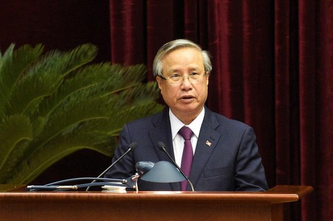 Ông Trần Quốc Vượng điều hành phiên họp Trung ương thảo luận phương hướng công tác nhân sự khoá XIII - Ảnh 2.