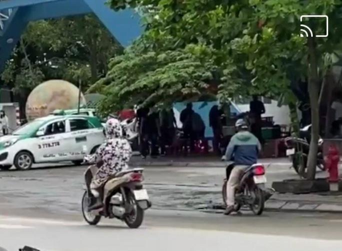 Công an thông tin vụ nổ súng trấn áp tội phạm trước cổng Trường ĐH Hải Phòng - Ảnh 2.