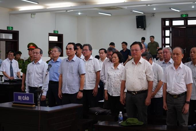2 nguyên chủ tịch Đà Nẵng bị tuyên tổng cộng 27 năm tù, bắt giam tại tòa - Ảnh 1.