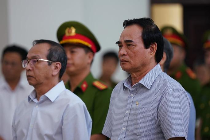 2 nguyên chủ tịch Đà Nẵng bị tuyên tổng cộng 27 năm tù, bắt giam tại tòa - Ảnh 4.