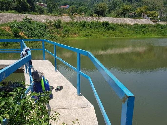 Một học sinh ở Quảng Nam chết đuối dưới hồ nước - Ảnh 1.