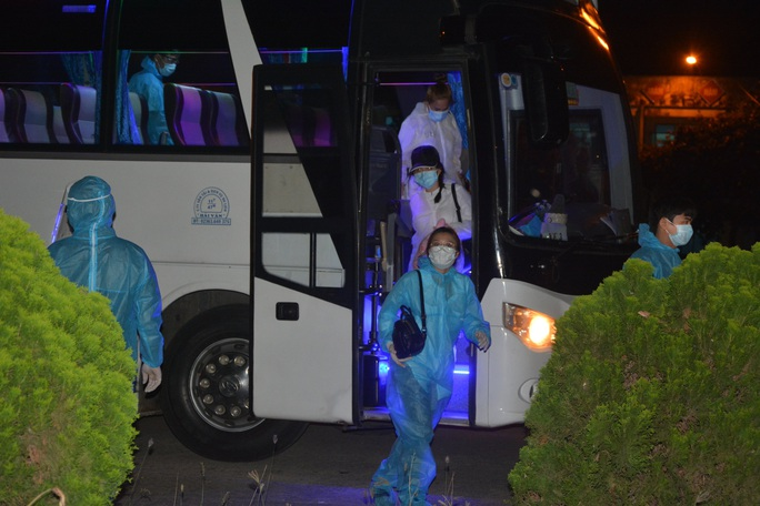 Đà Nẵng: Hơn 270 người về từ Malaysia âm tính với Covid-19 - Ảnh 1.